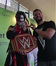 Finn_Balor_meets_The_Demon_King_in_Singapore_mp40044.jpg